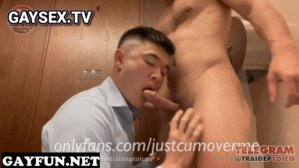 Hot College Boy Blowjob